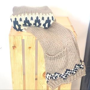 Knitted Pocket Scarf